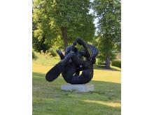 Tony Cragg, Manipulation, 2010, Bronze, 225 x 224 x 240 cm