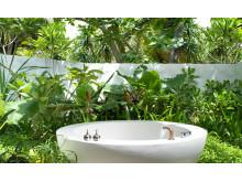 Fairmont Maldives Sirru Fen Fushi – Beach Villa Premium Bathroom