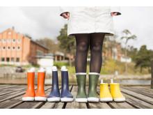 Regnar det ute? Vi lånar ut färgglada Tretorn stövlar för att hålla fötterna varma och torra.