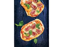 Pizza med älg, silverlök och racletteost