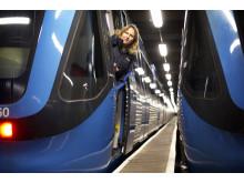 Tunnelbanetåg med förare