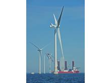 Två vindkraftverk klara