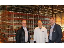 Runar Bøe (Säljare EAB Lagerteknikk), Morten Brostrøm (Fabrikschef, Hansa Borg) och Frank Mandal (Säljare EAB Lagerteknikk)