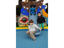 Lek på H C Andersen lekplats i Frankrike