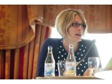 """""""Vi föreslår att de allra dyraste läkemedlen ska finansieras nationellt"""", säger Helene Öberg (MP)"""