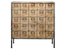 Möbler från Bloomingville finns i Confident Livings utbud