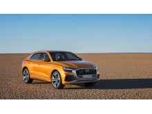 Audi Q8 (dragon orange) forfra
