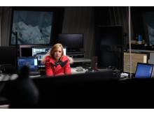 Léa Drucker spelar en astronom som upptäcker en radiosändning från en annan galax  i War of the worlds på FOX