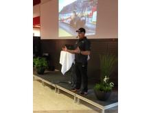 Micke Kågered föreläser om utbildningen av fordonsgymnasister.