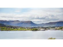 En storslået udsigt til fjord og fjeld