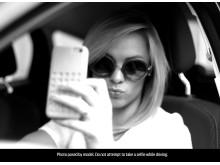 Joka 4. nuori ottanut selfien auton ratissa