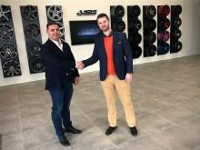 ABS Wheels VD Andie Lahdo och Christoffer Brandt som är Strategisk Partner Manager på mySafety Försäkringar