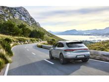7_Porsche Macan S