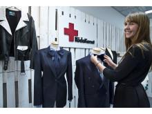 Röda Korsets pop up butik på Arlanda: På bild Elin Gussman Lennström