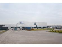 I 2010 flyttede samarbejdet mod øst, da SSI Schäfer blev valgt som systemleverandør til JYSKs 100.000 m2 store logistikcentral i Polen.