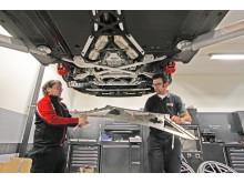 Omkring hälften av de europeiska LFA-ägarna brukar välja att själva köra till det europeiska LFA Center of Excellence vid Toyota Motorsport i Köln