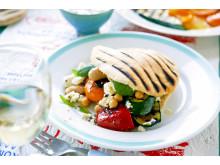 Pitabröd med grillade grönsaker och fetaost