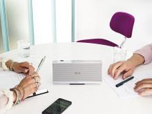 NFC-enheder tilkobles Loewe Speaker 2go meget enkelt via et touch point, som er placeret på toppen af højttaleren.