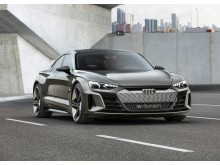 Audi e-tron GT concept (kinetic dust) forfra