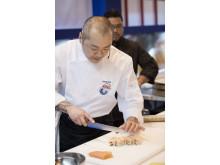 Escuela Sushi Salmón Noruego Hung Fai