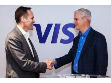 Izqda a dcha: Nicolas Huss (Visa Europe) y Charlie Scharf (Visa Inc.)