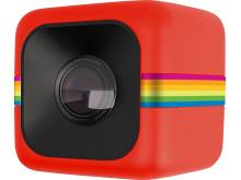 Polaroid Cube, röd snett framifrån