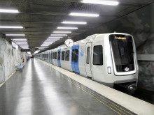 Stockholms nya tunnelbanetåg vid Mörby centrum