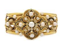 Klassiska 25 januari, Nr: 231, ARMBAND, 18K guld, 14 orientaliska pärlor ca 4 - 6,5 mm