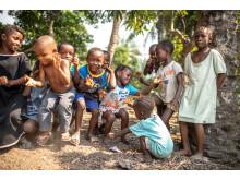 Musikk og lek i landsbyen Kareneh