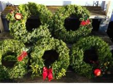 Dörrkransar säljs i marknadsstånd på Gammeldags jul