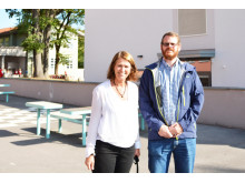 Rektor og prosjektleder foran gymbygget3
