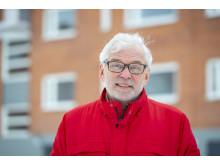 """Tavoite. """"Me haluamme tehdä Vehnä-Hovista seutukunnan moderneimman tämän ikäluokan talon"""", sanoo Timo Juurikko."""