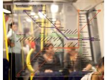 Forskare vid Stockholms universitet undersöker vilka mikroorganismer som finns i Stockholms tunnelbana. Foto: Mostphotos/Sockholms universitet.
