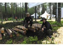 Isabelle Bergkvist och Gustav Friberg från Skogforsk vill inspirera till spårlös avverkning.