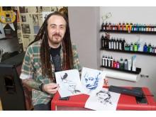 Tatuointiartisti Paul Talbotin työskentely on helpottunut sen jälkeen kun hän alkoi käyttää työssään Brotherin PocketJet-mobiilitulostinta.