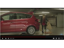 Laura Christensen i ny viral film for Ford C-MAX