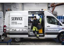Swecon servicebil och Anton Laitamaa