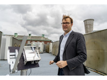 Kasper Moth-Poulsen at the solar thermal collector 2
