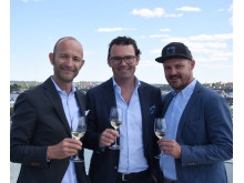 Christian Di Luca, Alex Tengvall samt Thomas Holstein firar Enjoy Wine & Spirits och Winefinders nya samarbete.