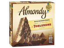 Almondy mandeltårta med bitar av Toblerone