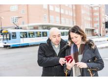 ALL KOLLEKTIVINFO I DENNE APP. Informasjonsarkitekt Kristian Syversen i Sopra Steria og prosjektleder Hanne Nettum Breivik i Entur vil hjelpe reisende med å bli bedre kollektivbrukere også på bortebane.