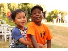 Barn på Barnplantornas sommarläger för familjer