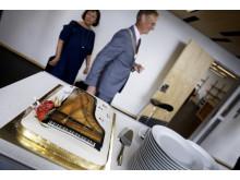 Flygel-marsipankake på åpningen av pianosstemmerverkstedet