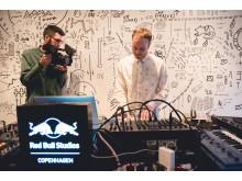 Red Bull Studios Live @ VESS: Borneland