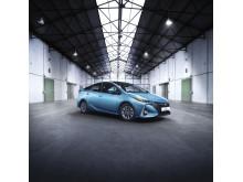 2016-toyota-prius-plug-in-hybrid-01