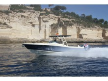 High res image - Chris Craft - Calypso 30