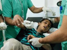 7-åriga pojken Tamer har skadats av granatsplitter i en attack i Taiz i mars 2018.