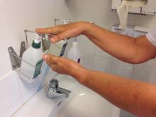Tvätta och sprita händer