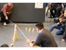 Samarbejdsøvelse - tårn af kopper 2