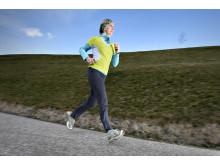 Frau joggt 2